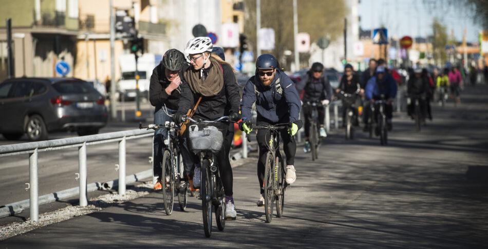 Få cyklister är nöjda med läget i kommunerna