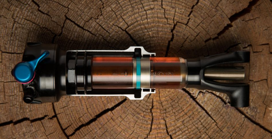 Trek satsar helt på thru-shaft i sina RE:aktiv dämpare