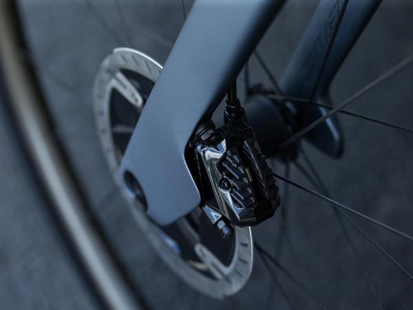 UCI tillåter nu skivbromsar på landsvägstävlingar – Testperioden är över