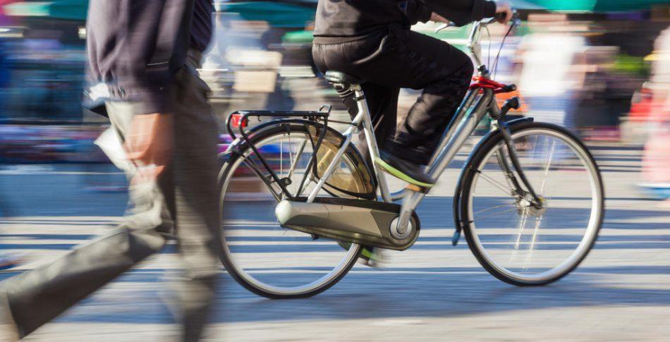 Nya regeln – Gå till vänster, cykla till höger