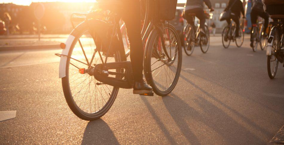 Äntligen! Nu ses trafikreglerna för cykel över!